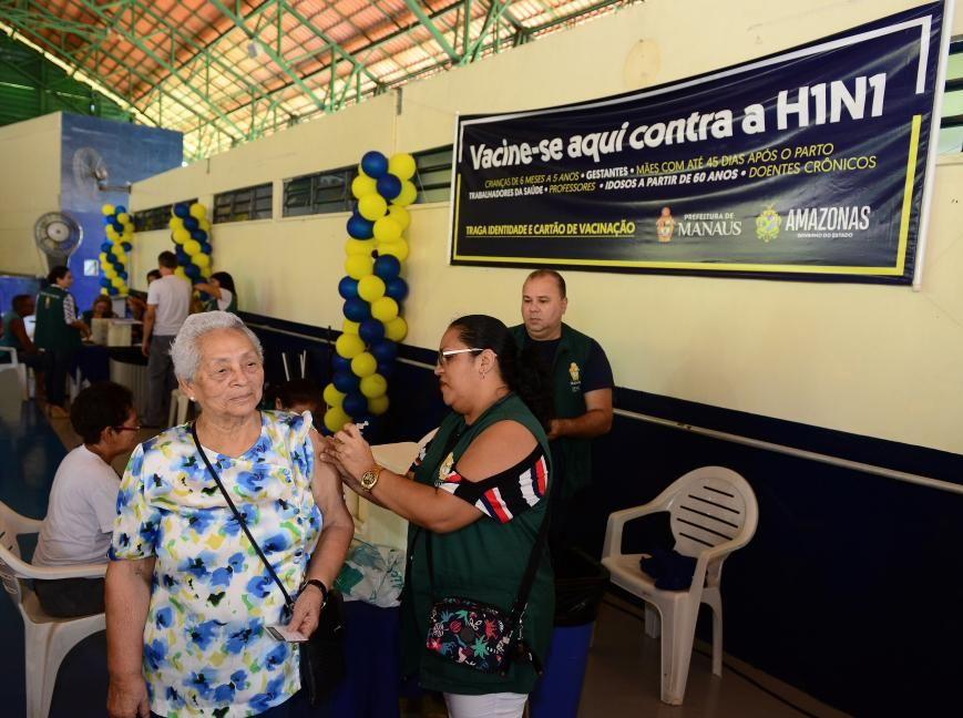 Amazonas vacinou 794,5 mil pessoas em um mês de campanha