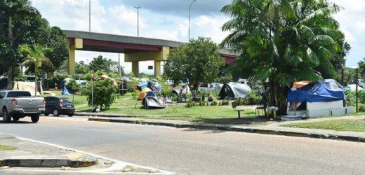 MPAM quer atendimento a venezuelanos acampados nas proximidades da Rodoviária de Manaus