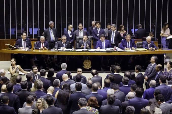 Congresso retoma votação de projeto que remaneja R$ 3 bilhões do Orçamento