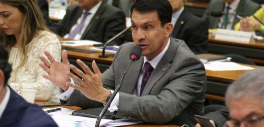 'Governador Wilson Lima está na hora de o senhor assumir o governo', cobra deputado