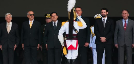 Problemas de governança desestimulam carreira política, diz Bolsonaro
