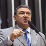 Deputado sugere prorrogação do auxílio emergencial a Paulo Guedes