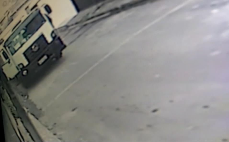 Homem assalta caminhão no bairro Monte das Oliveiras