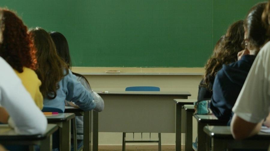 Avaliação do ensino médio brasileiro melhora, mas segue distante da meta