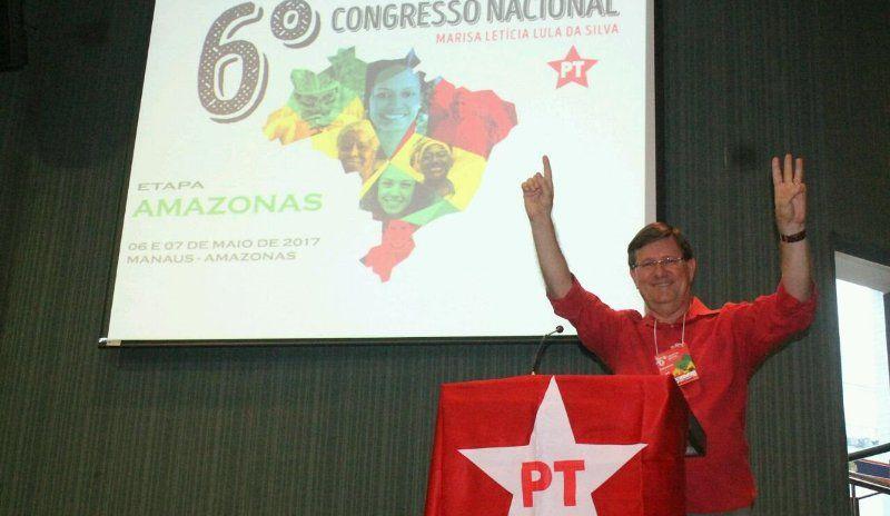 Grupo de Direita perde ação em que insinuava que Zé Ricardo ganhava dinheiro com 'venda de hóstias'