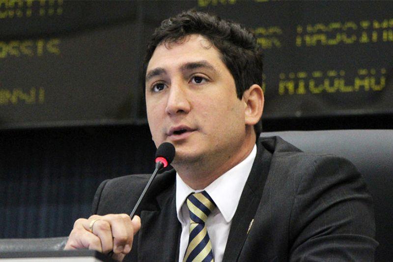 Após três mandatos, Reizo Castelo Branco não consegue se reeleger na CM