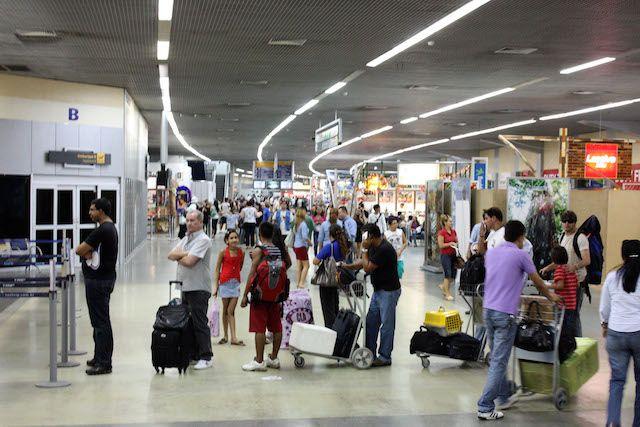Manifestante querem fechar aeroporto Eduardo Gomes