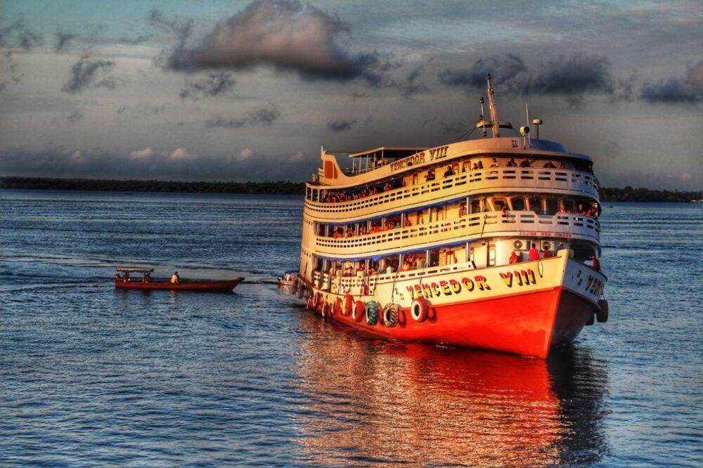 URGENTE: Defensoria pede suspensão de viagens de barco no Amazonas