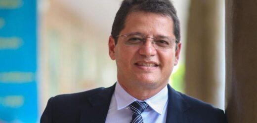 Alvo da PF, secretário da Saúde do Amazonas é preso no aeroporto de Manaus