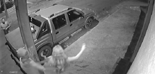 Marido mata mulher a facada na presença do amante (veja o vídeo)
